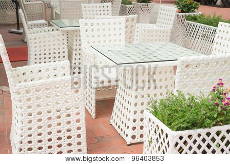 White Rattan Sofa And Table Sets In Outdoor