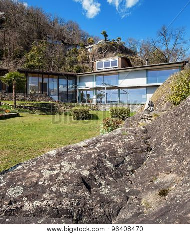 modern architecture, mountain house view from the garden