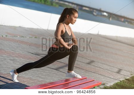 Asian woman workout at the morning city