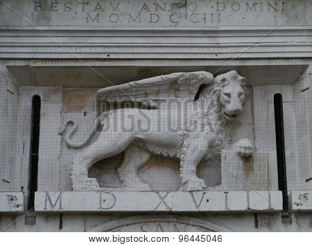 The lion of the Porta San Tomaso