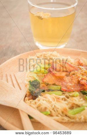 Wheat Noodles With Barbecued Red Pork