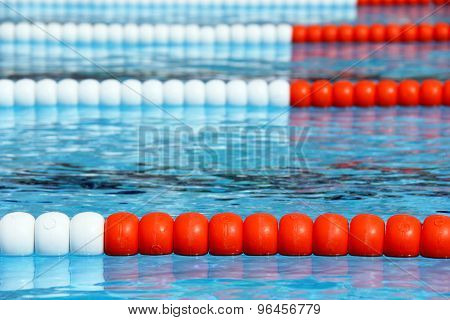 Swimming pool lanes