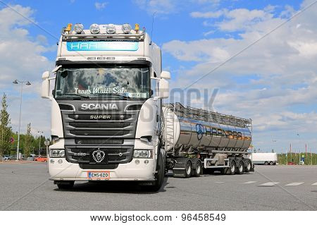 Scania R620 Tank Truck Leaves Truck Stop