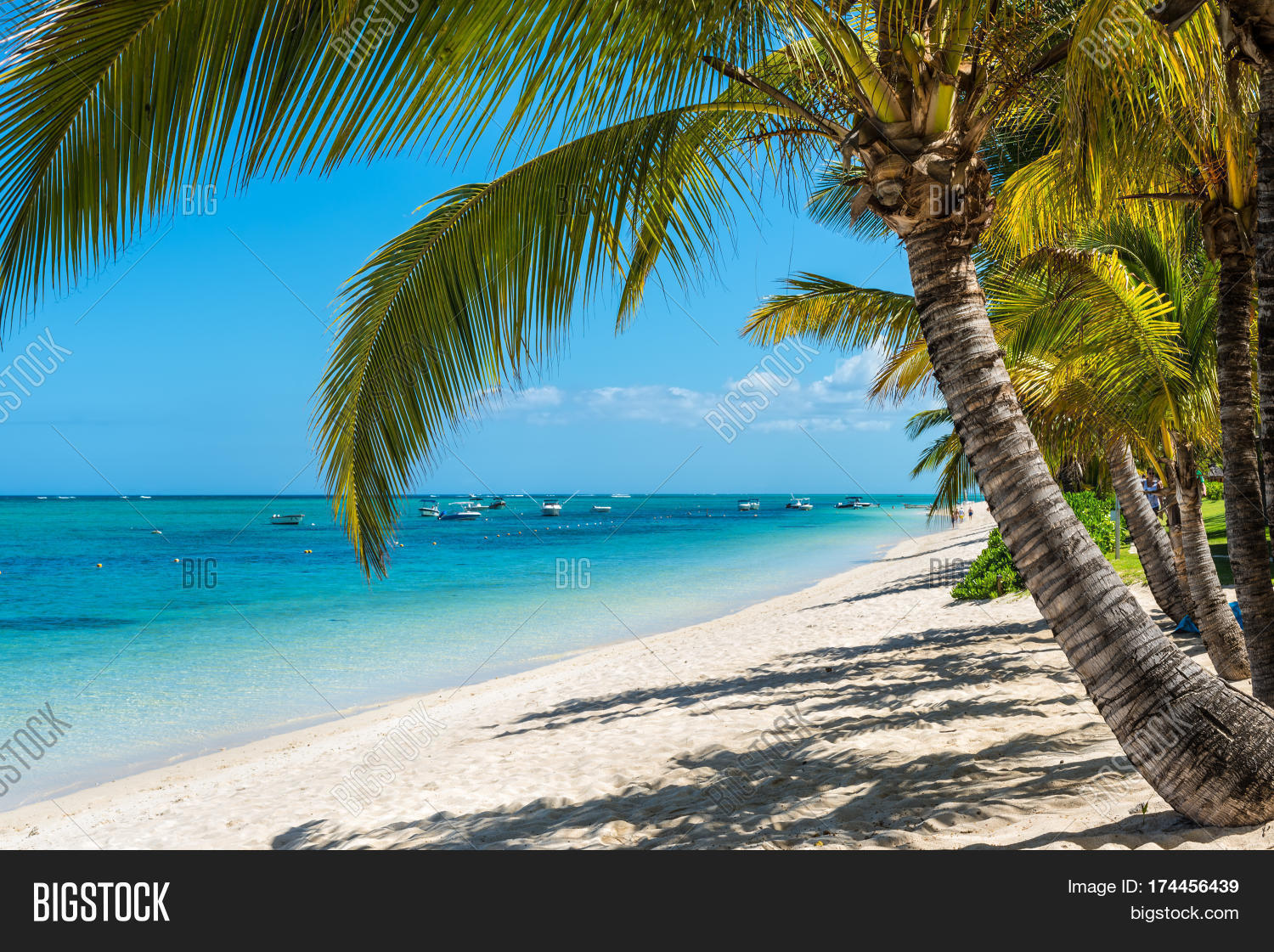 Le morne mauritius december 11 2015 amazing white for Tropical vacations in december