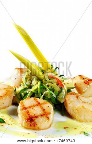 Grilled Sea Scallop with Zucchini Spaghetti and Spice Sauce