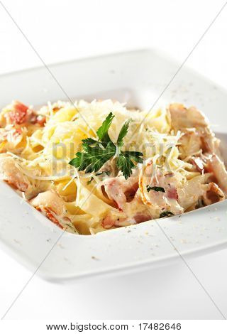 Traditional Fettucine alla Carbonara Parsley