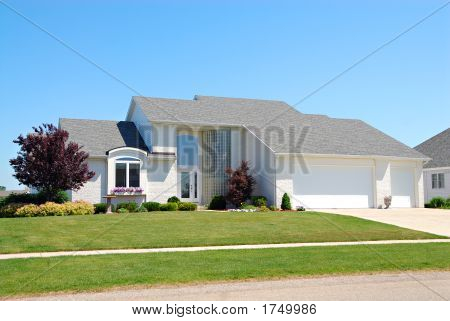Residential American Upscale House