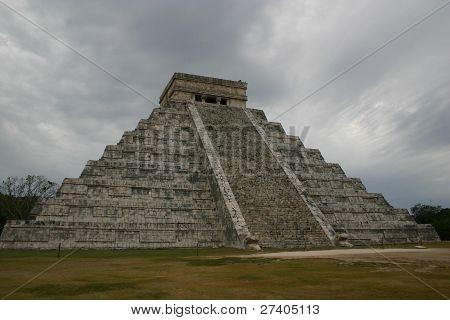 Main temple at Chichen Itza, Yucatan, Mexico