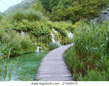 Path over water on Plitvice lakes