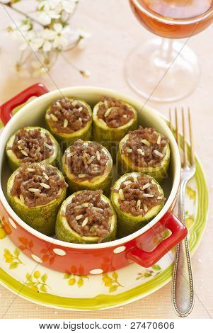 Zucchini stuffed with forcemeat and rice