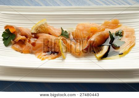 smoked salmon marinated on olive oil and balsamic vinegar