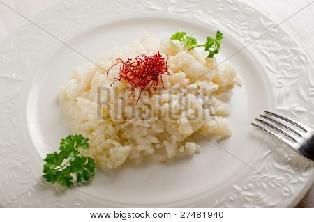 rice with natural pistil saffron