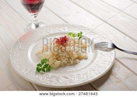 rice with natural pistil saffron