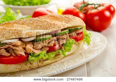 Thunfisch-sandwich