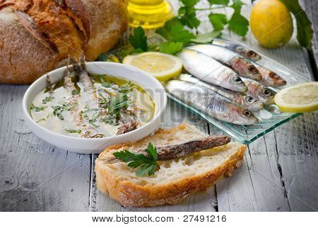 sardines under olive oil and slice bread