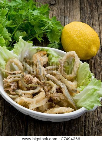 fried fish squid and shrimp with green salad