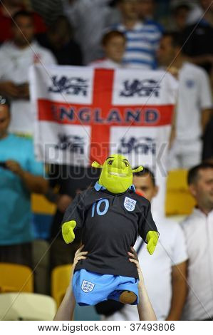 English Fans React After England Beat Of Sweden