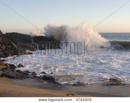 Turquoise Wave Splash