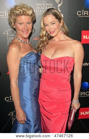 BEVERLY HILLS - JUN 16: Alley Mills, Jennifer Gareis at the 40th Annual Daytime Emmy Awards at The Beverly Hilton Hotel on June 16, 2013 in Beverly Hills, California