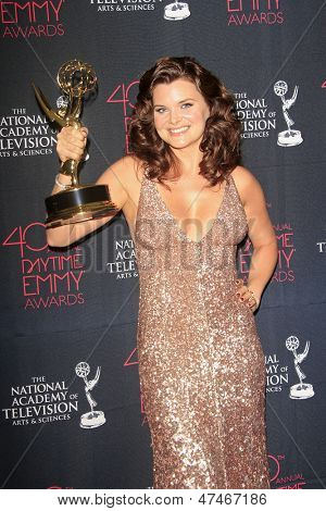 BEVERLY HILLS - JUN 16: Heather Tom with the Outstanding Lead Actress In A Drama Series award for 'The Bold & the Beautiful' at the 40th Annual Daytime Emmy Awards,June 16, 2013 in Beverly Hills, CA