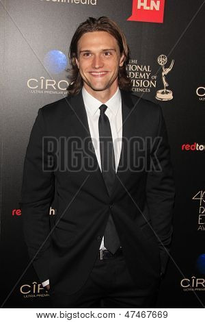 BEVERLY HILLS - JUN 16: Hartley Sawyer, The Young & The Restless  at the 40th Annual Daytime Emmy Awards at The Beverly Hilton Hotel on June 16, 2013 in Beverly Hills, California