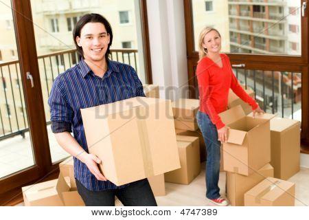 Casal se mudar para casa nova