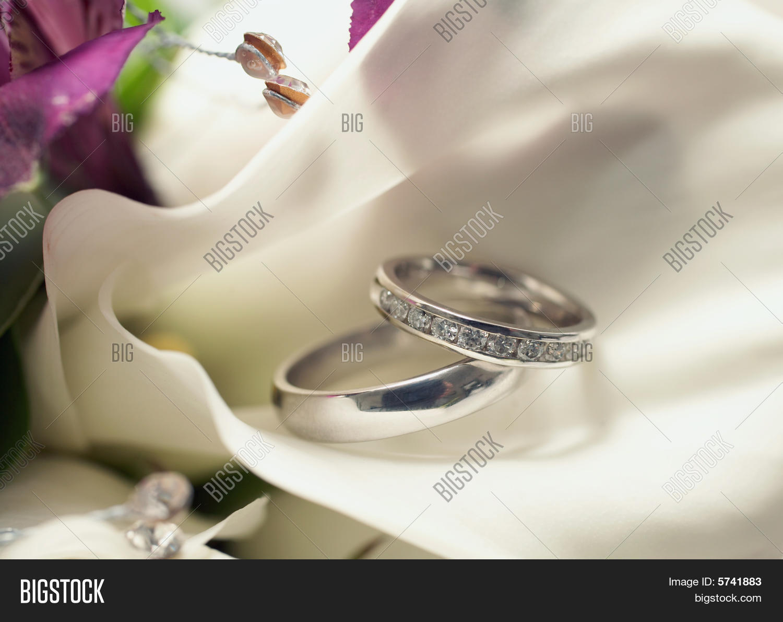 Wedding rings 4