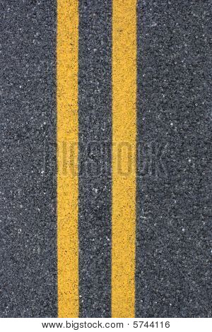 Double yellow asphalt