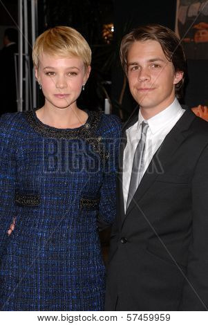 Carey Mulligan and Johnny Simmons at