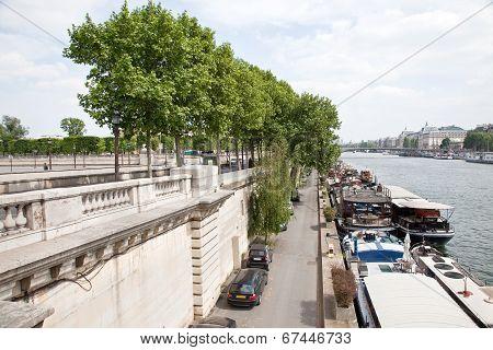 Paris. Quay Of The River Seine