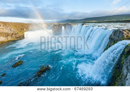 Godafoss is a very beautiful Icelandic waterfall. It is located on the North of the island not far from the lake Myvatn and the Ring Road.