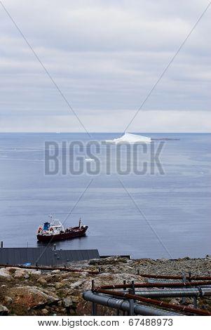 Vessel in Upernavik