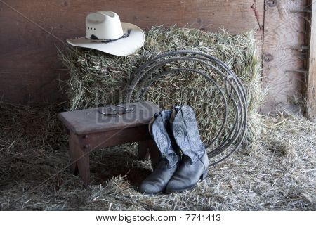 Boots, rope and hat.