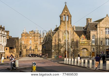 The Royal Mile And The Palace Of Holyroodhouse In Edinburgh, Scotland