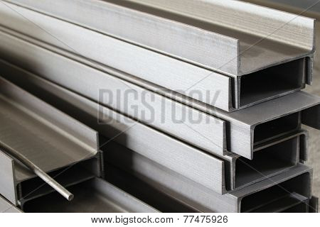 Polished metal profile channel