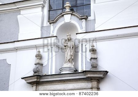 Statue of Virgin Mary. Decoration element of house in old city. Linz, Austria
