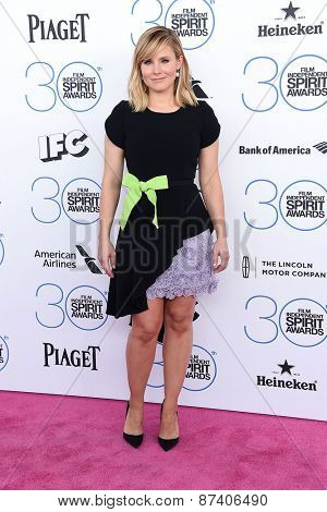 LOS ANGELES - FEB 21:  Kristen Bell arrives to the 2015 Film Independent Spirit Awards  on February 21, 2015 in Santa Monica, CA