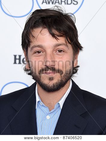 LOS ANGELES - FEB 21:  Diego Luna arrives to the 2015 Film Independent Spirit Awards  on February 21, 2015 in Santa Monica, CA