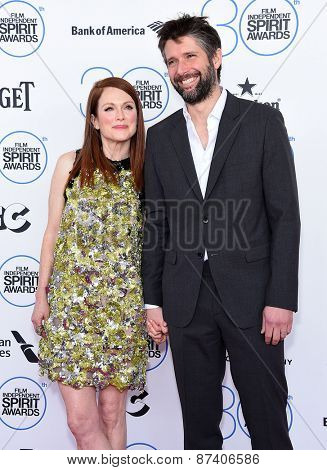 LOS ANGELES - FEB 21:  Julianne Moore & Bart Freundlich arrives to the 2015 Film Independent Spirit Awards  on February 21, 2015 in Santa Monica, CA
