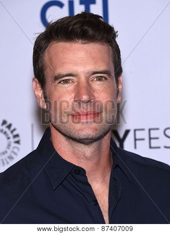 LOS ANGELES - MAR 08:  Scott Foley arrives to the Paleyfest 2015