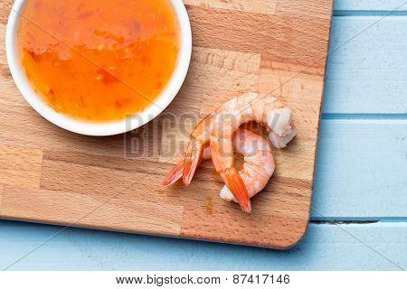 the prawns on cutting board