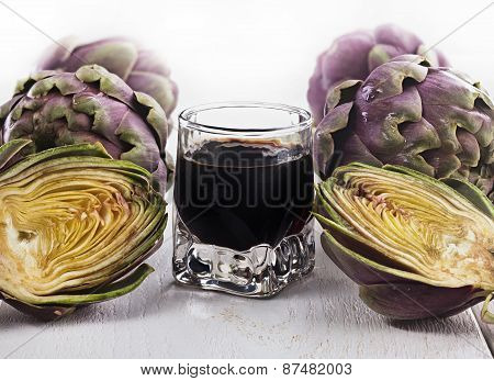 Alcoholic Drink With Artichoke Extract.