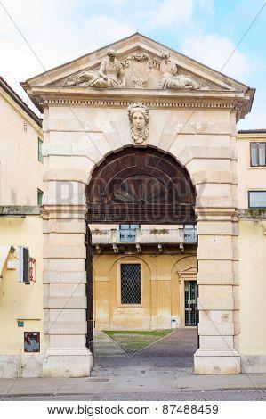 Gate, Vicenza