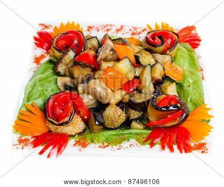 Vegetable salad with mushrooms