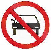 picture of motor vehicles  - Argentinian sign prohibiting thoroughfare for all motor vehicles  - JPG