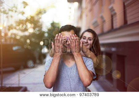 She closes her eyes for a guy making a surprise