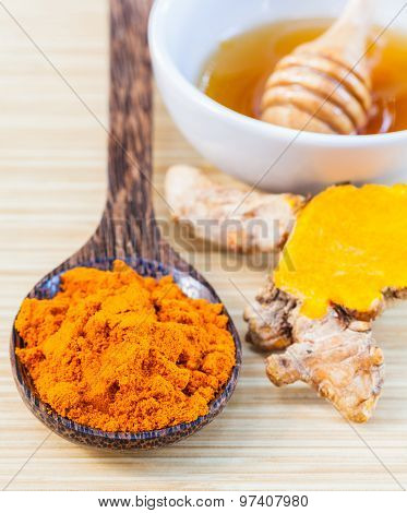Natural Spa Ingredients . - Turmeric And Honey  For Skin Care.