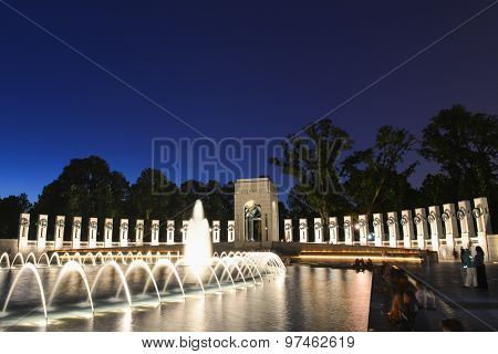 Washington DC - National WWII Memorial at night