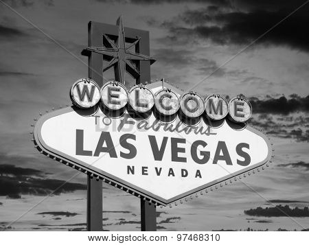 Welcome to Las Vegas sign in black and white.