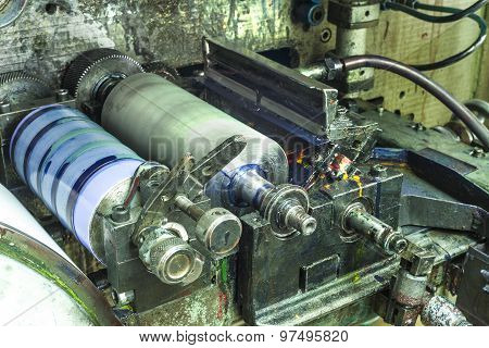 Printing Labels On Label Printing Machine